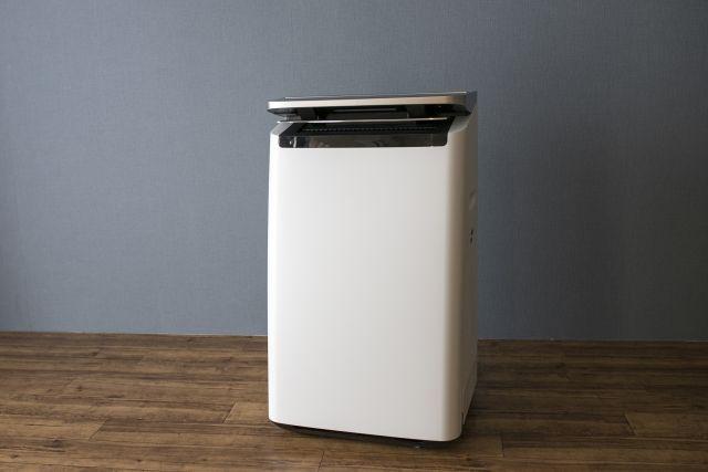 部屋に置かれた空気清浄機
