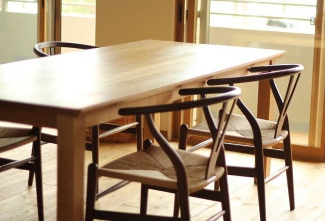 木材で作られたテーブル